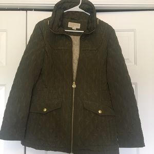 Michael Kors quilted puffy jacket. Gold zipper